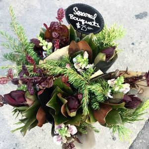 Living_Fresh_Seasonal_Flower_Bouquet