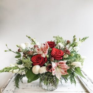 Living-Fresh-Bespoke_Holiday-Vase-Arrangement-Flowers