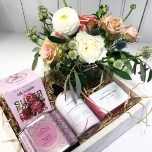 Living Fresh Floral Gift Box