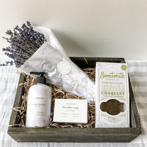 Living Fresh Flower and Plant Studio - Lavender Gift Box
