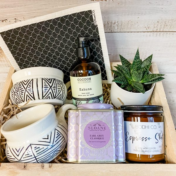 Living Fresh Flower and Plant Studio - The Weekend Gift Box