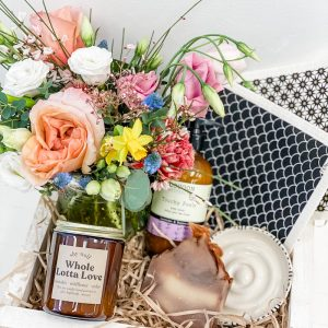 Living Fresh Flower and Plant Studio - Deluxe Mother's Day Gift Box